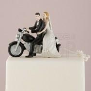 Cake topper con sposi in moto