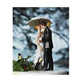 Cake topper con sposi sotto l'ombrello