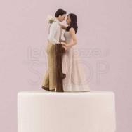 Cake topper con sposi in campagna