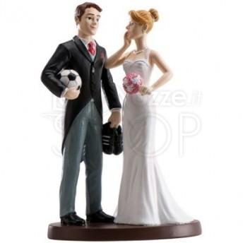 Cake topper sposi con il pallone da calcio