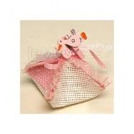 Scatolina in rafia rosa con molletta cicogna e 3 confetti