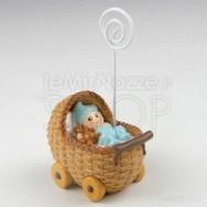 Portafoto a forma di carrozzina azzurra con bimbo