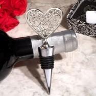 Tappa bottiglie a forma di cuore decorato