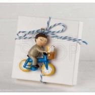 Calamita bimbo con bici + 3 confetti cioccolato