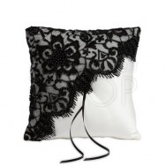 Cuscino porta fedi con merletto nero e perline
