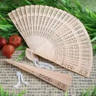 Ventaglio color legno di sandalo con fiocco bianco