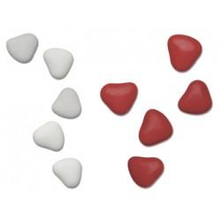 Confetti al cioccolato a forma di cuore bianchi e rossi