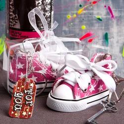 Portachiavi con sneaker da bambini rosa con stelle bianche