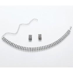 Set di orecchini e collana con strass