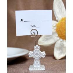 Elegante segnaposto religioso con croce.