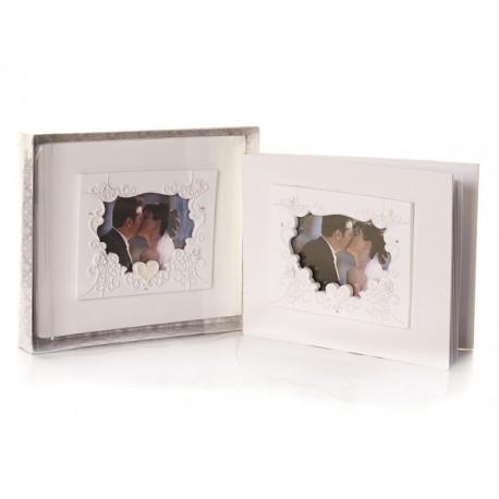 Elegante guestbook bianco con cuori e cornice per foto