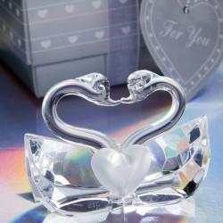 Cigni di cristallo uniti da un bacio