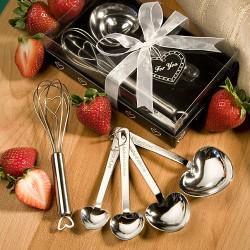 Set di cucchiaini a forma di cuore e frusta