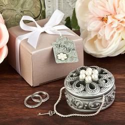 Scatolina con fiore e perle