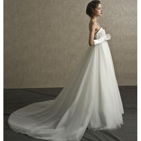 Angelica · Abito da sposa stile impero con strascico staccabile Mod.  Angelica ... 0fbe83b492c