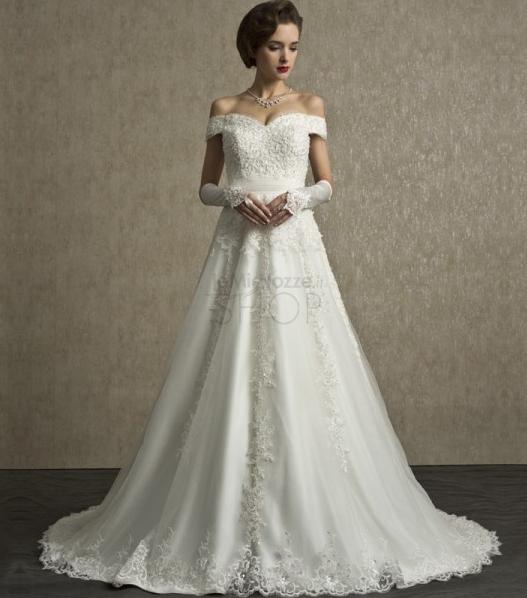 Immagine di un abito da sposa ad A