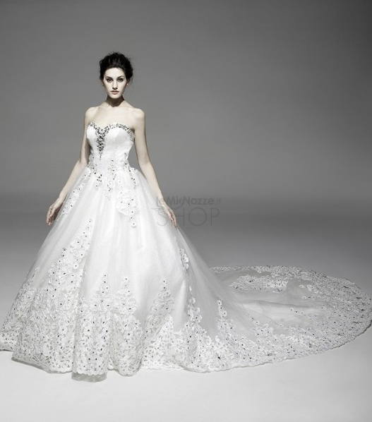 Immagine di un abito da sposa principesco