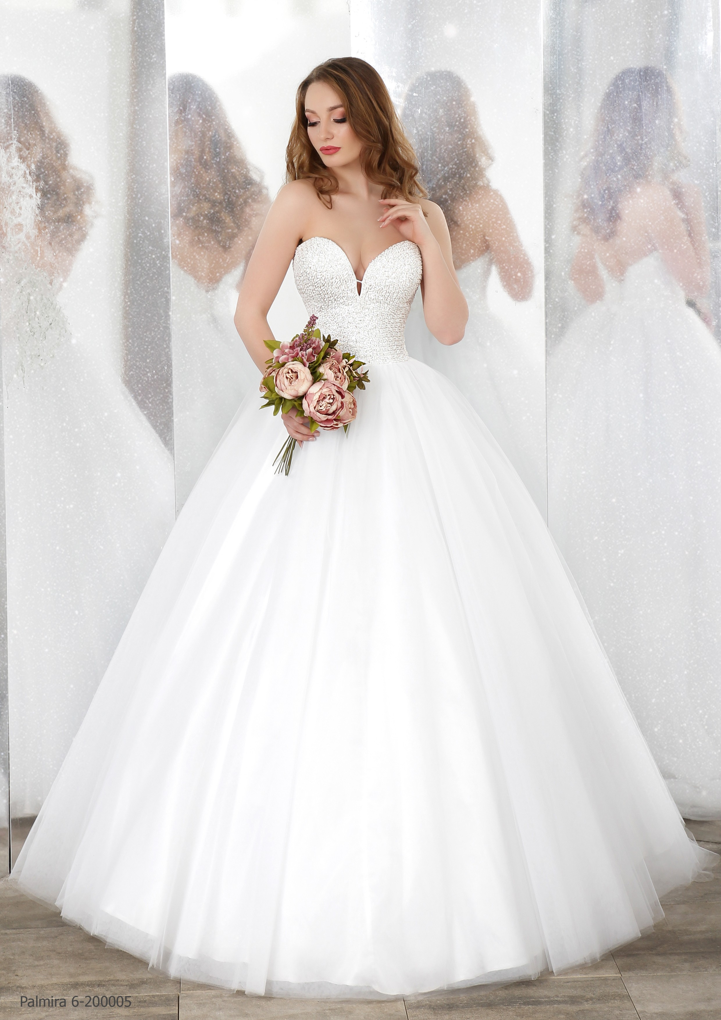 sale retailer f96b2 0fc21 Abito da sposa principesco Mod. Amelia