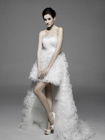 Abito da sposa e cerimonia corto con strascico staccabile Mod. Cassandra